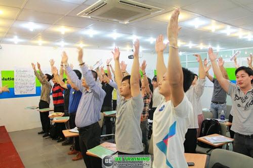 Lớp rất sôi động và năng lượng tràn đầy